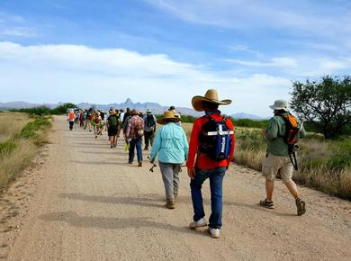 solidarity walk on Migrant Trail Photo: Saulo Padilla